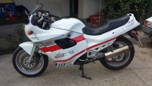 motocicleta inscriptionata Suzuki